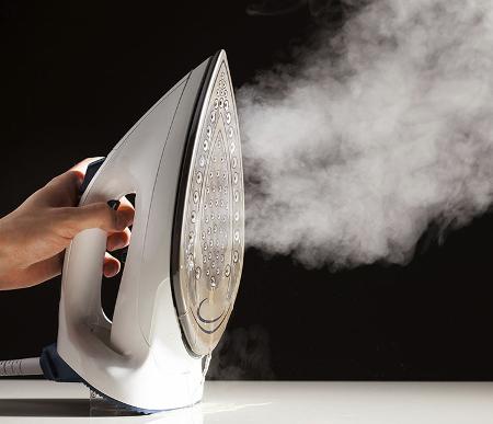 Come pulire il ferro da stiro a vapore dal calcare
