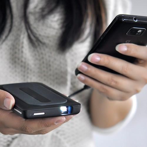 Mini Proiettore per SmartPhone e Tablet – TechBlog