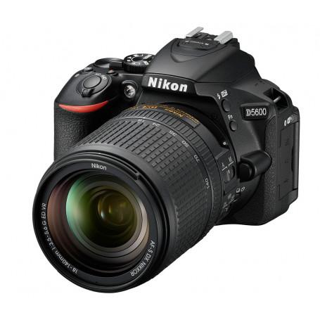 NIKON D5600 18/140 VR FOTOCAMERA REFLEX